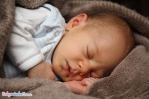 Wie lange kann ein Kind im Reisebett schlafen